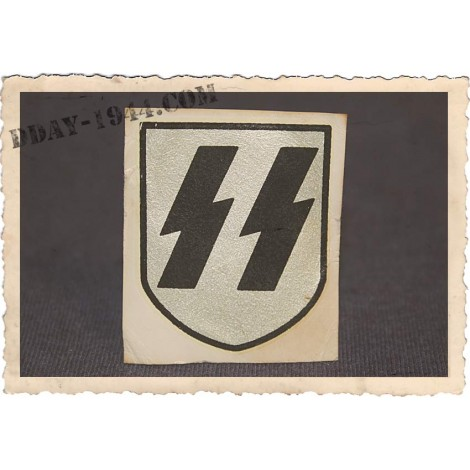 SS 2nd pattern german helmet decal, look old